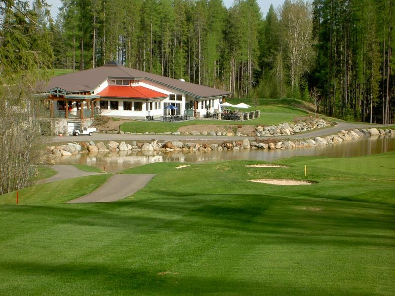 Trickle Creek Golf Course Clubhouse